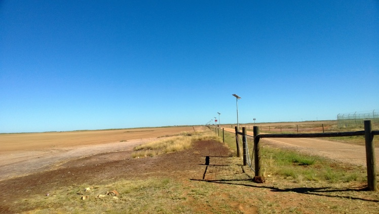 walking track out to the jetty, next to the mud flat